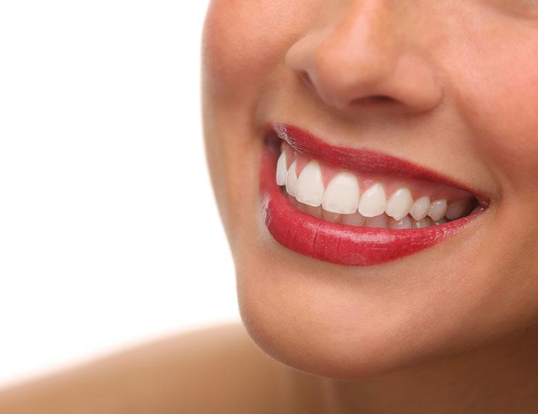 Kieferorthopädie für Kinder und Jugendliche | Gerade Zähne